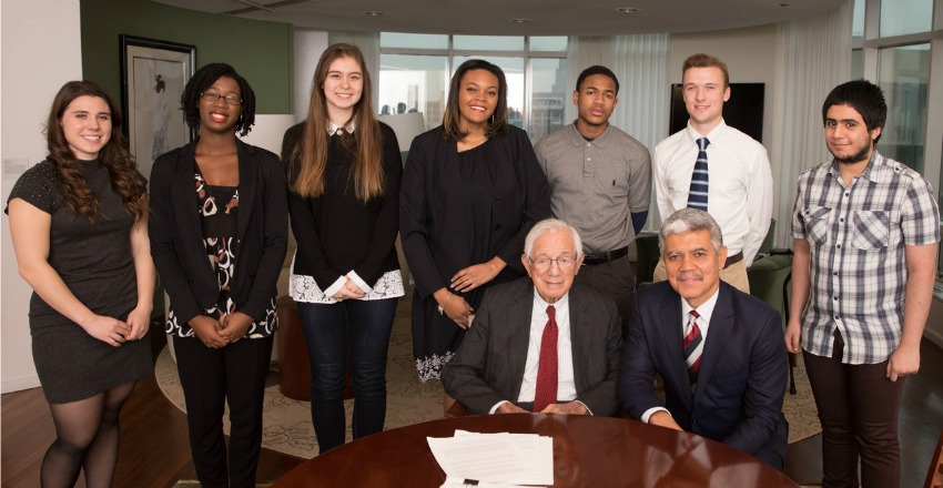 Philanthropist Mort Harris invests in future leaders of medicine at Wayne State University